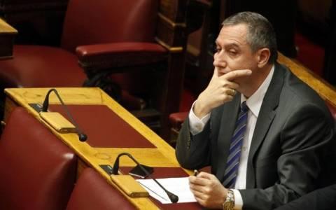 Δεκτό το αίτημα ΠΑΣΟΚ για απόσυρση της διάταξης περί ψήφου αλλοδαπών