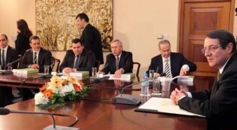 Με αποχή του ΔΗΚΟ εγκρίθηκε το νομοσχέδιο ιδιωτικοποιήσεων