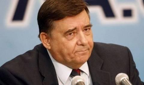 Ο Καρατζαφέρης σκέφτεται να κατεβεί υποψήφιος ευρωβουλευτής στην Κύπρο