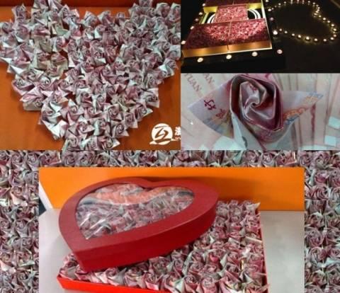 Έκανε πρόταση γάμου με 33.000 δολάρια σε σχήμα... τριαντάφυλλου!