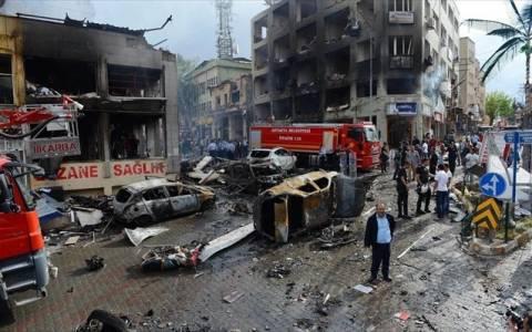 Τραυματίες και ζημιές από έκρηξη στην πλατεία Ταξίμ (pics + video)