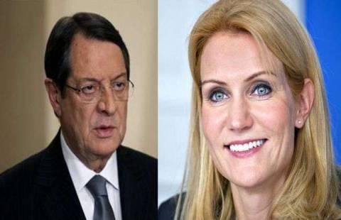 Η Σμιτ «εκτιμά τις προσπάθειες» Αναστασιάδη για επίλυση του Κυπριακού