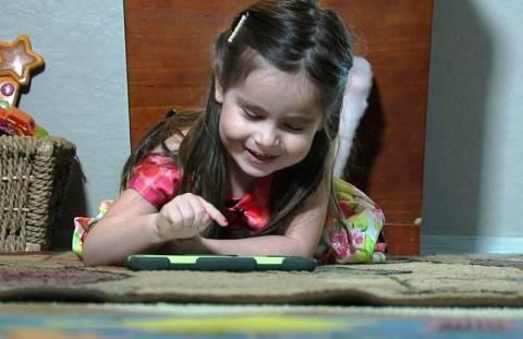 Κορίτσι 3 ετών με IQ 160 έγινε δεκτό στον διεθνή οργανισμό Mensa (vid)