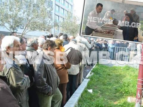Butchers of Varvakeios give free meat