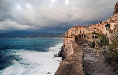 To National Geographic προβάλλει τη Πελοπόννησο