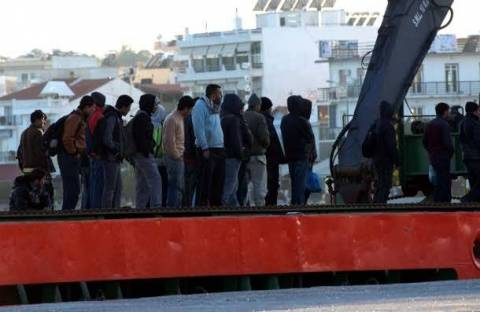 Σύλληψη 40 παράνομων αλλοδαπών στο Πλωμάρι Λέσβου