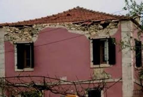 Προσωρινά «ακατάλληλα» 1.400 κτίρια στην Κεφαλονιά