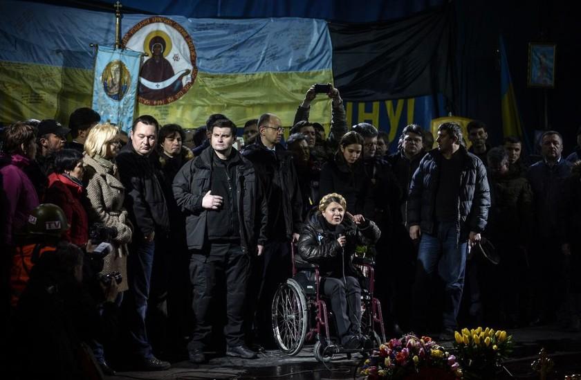 Διορία μέχρι την Τρίτη για σχηματισμό κυβέρνησης εθνικής ενότητας