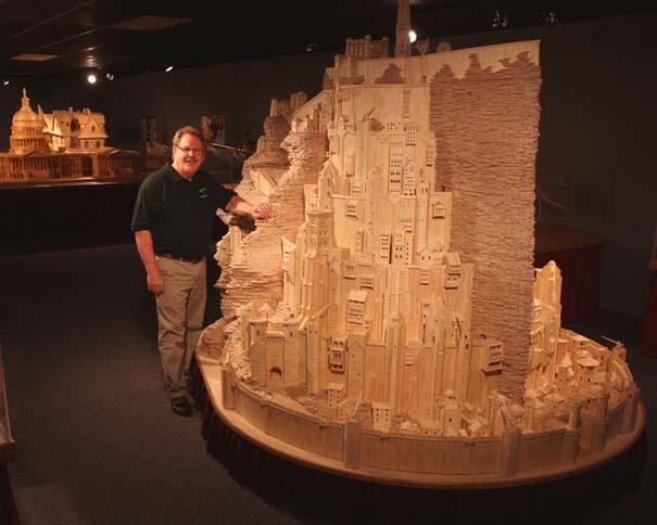 Η πόλη του «Άρχοντα των Δαχτυλιδιών» με 420.000 σπίρτα! (photos)