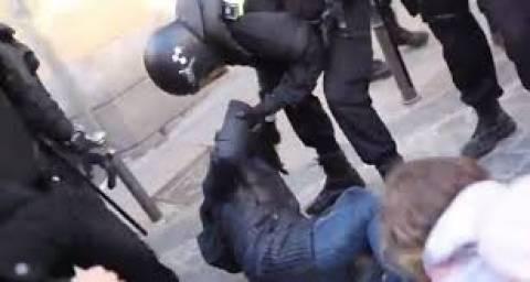 Ακόμα ένα βίντεο της κρίσης: Βίαιη έξωση στην Ισπανία