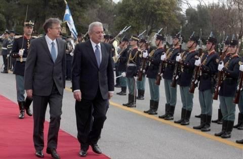 Έμφαση στην συνεργασία Ελλάδας-Σερβίας στην αμυντική βιομηχανία