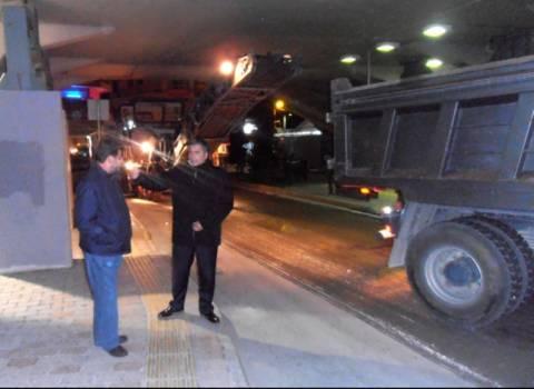 Παρών στις εργασίες ασφαλτόστρωσης της πόλης ο Δήμαρχος Αμαρουσίου