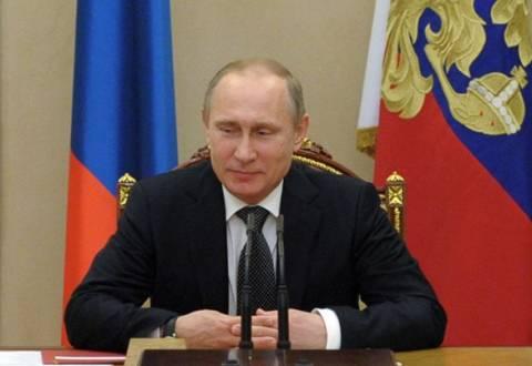 Σε επιφυλακή οι ένοπλες δυνάμεις της Ρωσίας κατ' εντολήν Πούτιν!