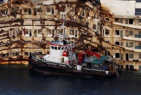 Το ναυάγιο του Costa Concordia θα επισκεφθεί ο κυβερνήτης του