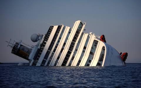 Captain of Costa Concordia visited the shipwreck