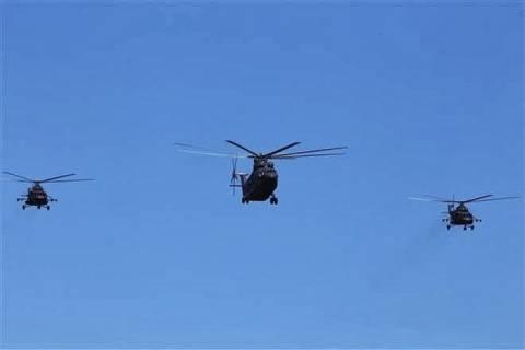 Ρωσικά ελικόπτερα πέρασαν σήμερα τα σύνορα της Ουκρανίας (βίντεο)