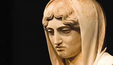 Yπόγειος θάλαμος με 130 αρχαία ελληνικά αγάλματα (βίντεο)