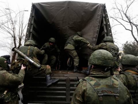 Πολιορκείται η ακτοφυλακή της Κριμαίας (pics+vids)