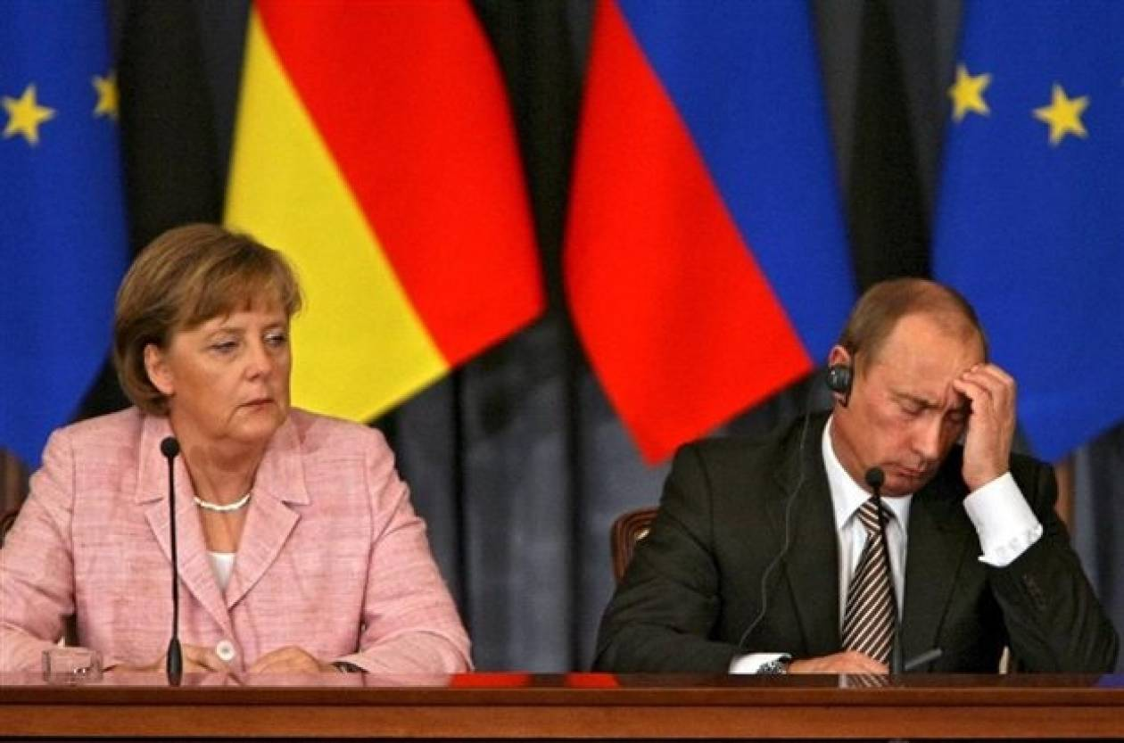 Μέρκελ σε Πούτιν: Παραβιάσατε το διεθνές δίκαιο