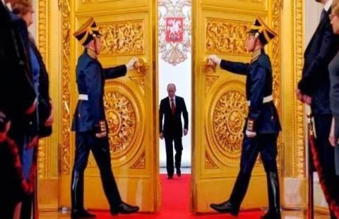 Δεν φοβούνται κυρώσεις οι Ρώσοι-«Ο Πούτιν αναδεικνύεται σε μέγα ηγέτη»