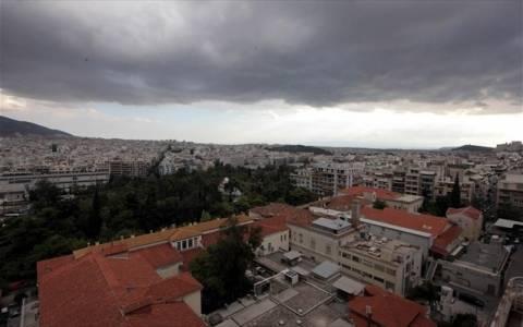 Νεφώσεις με πιθανότητα τοπικών βροχών