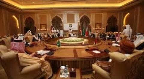 Σαουδική Αραβία: Ανακαλούν τους πρεσβευτές τους στο Κατάρ