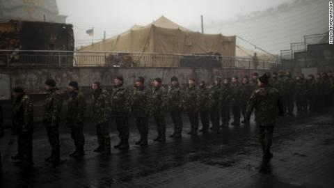 Οι ρωσικές δυνάμεις θέτουν υπό μερικό έλεγχο βάση εκτόξευσης πυραύλων