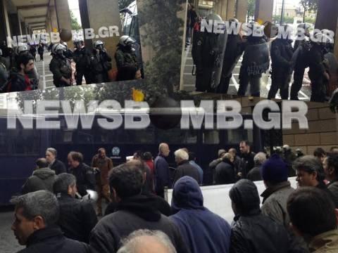 Σοβαρά επεισόδια με τραυματίες στο κέντρο της Αθήνας