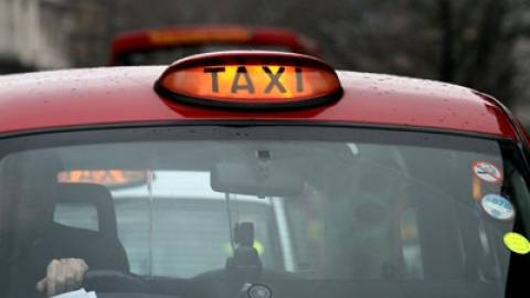 Μετά τη ληστεία κάλεσε... ταξί!