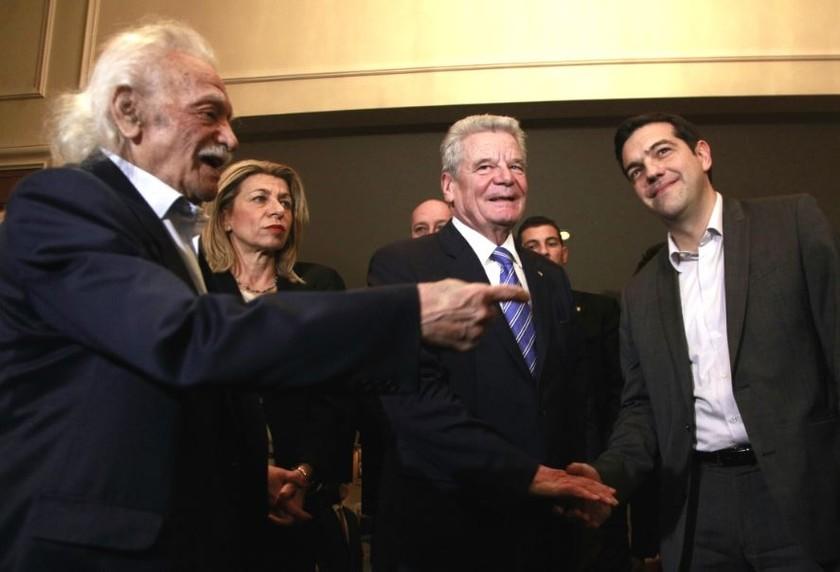 Τσίπρας προς Γκάουκ:Η κυβέρνηση ΣΥΡΙΖΑ θα διεκδικήσει τις αποζημιώσεις