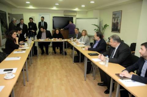 Χαμός στο πολιτικό συμβούλιο του ΠΑΣΟΚ - Διεκόπη η συνεδρίαση