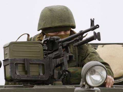 Κατάληψη ουκρανικής βάσης από Ρώσους στρατιώτες