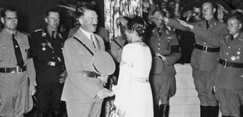 Οι «νύφες» του Χίτλερ: Τα στρατόπεδα εκπαίδευσης των συζύγων των Ναζί