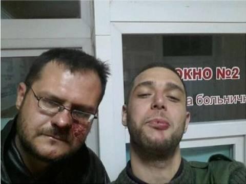 Αυτός είναι ο δημοσιογράφος που δέχθηκε επίθεση στην Κριμαία (pic)!