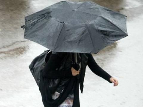 Κρύο και βροχές όλη την εβδομάδα – Πού θα χτυπήσει η κακοκαιρία