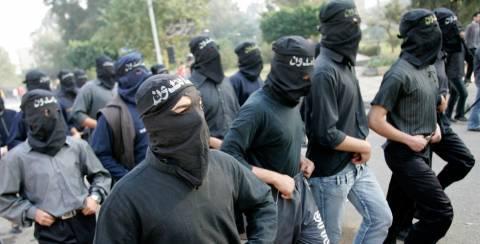 Αίγυπτος: Οι «Αδερφοί Μουσουλμάνοι» πίσω από την επίθεση στο λεωφορείο