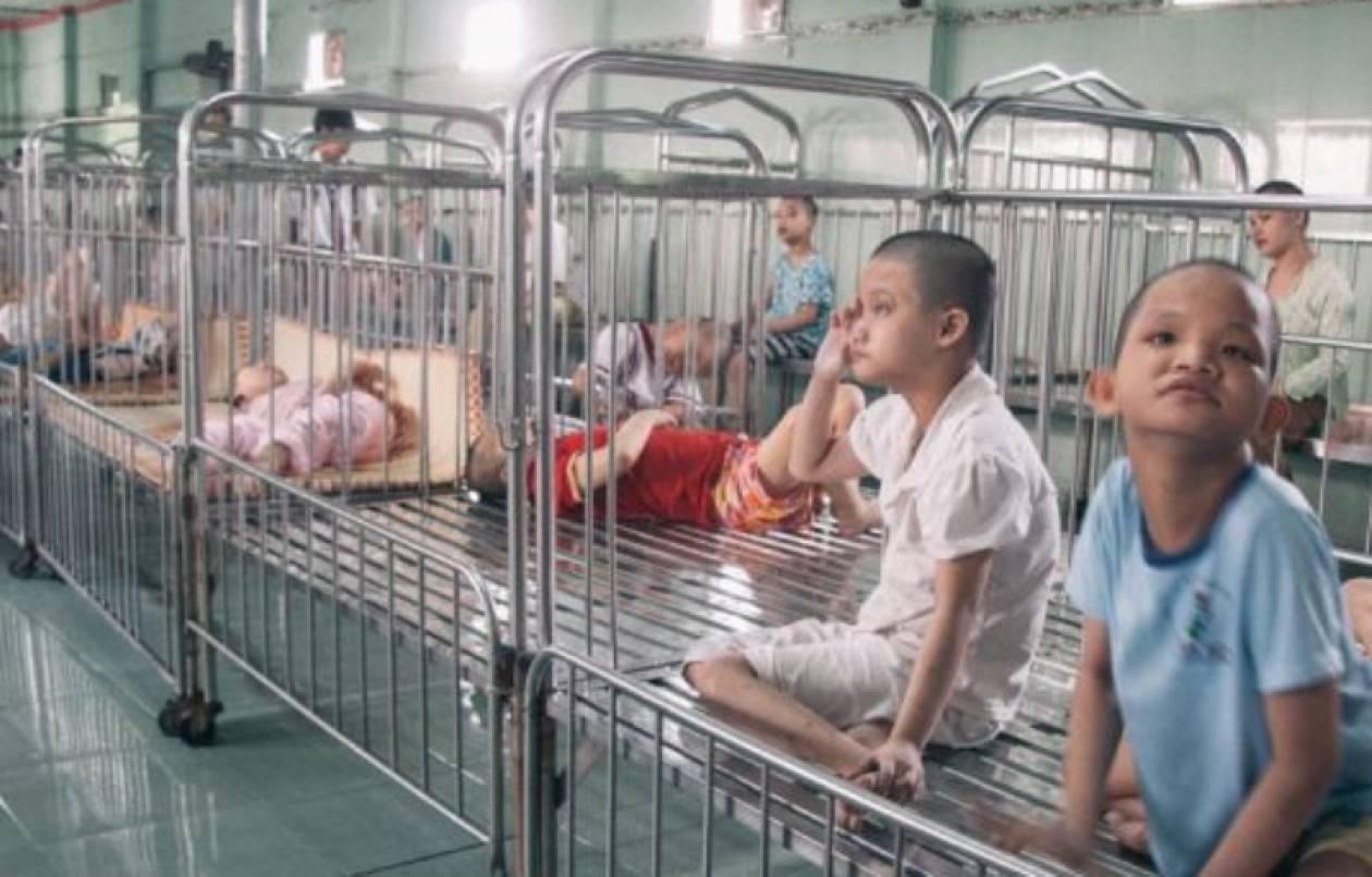 50 χρόνια από τον πόλεμο του Βιετνάμ παιδιά υποφέρουν ακόμα (pics)