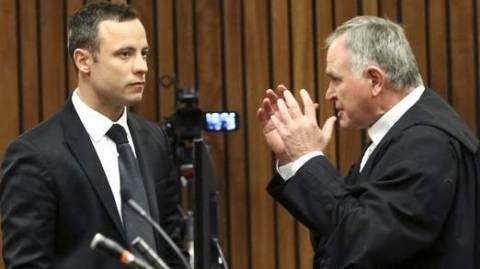 Ο Πιστόριους έκανε πάλι εμετό στη δικαστική αίθουσα (βίντεο)