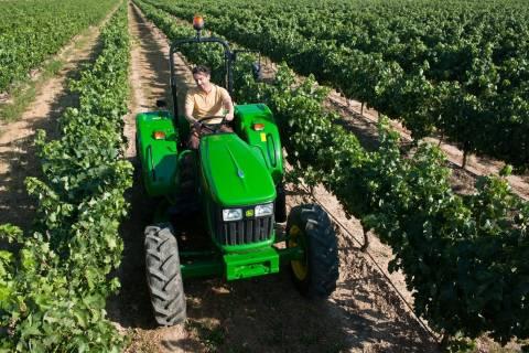 Υπεγράφη η απόφαση για την πρόωρη συνταξιοδότηση των αγροτών