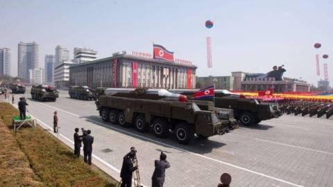 Η Βόρεια Κορέα πραγματοποίησε δοκιμαστική εκτόξευση πυραύλων