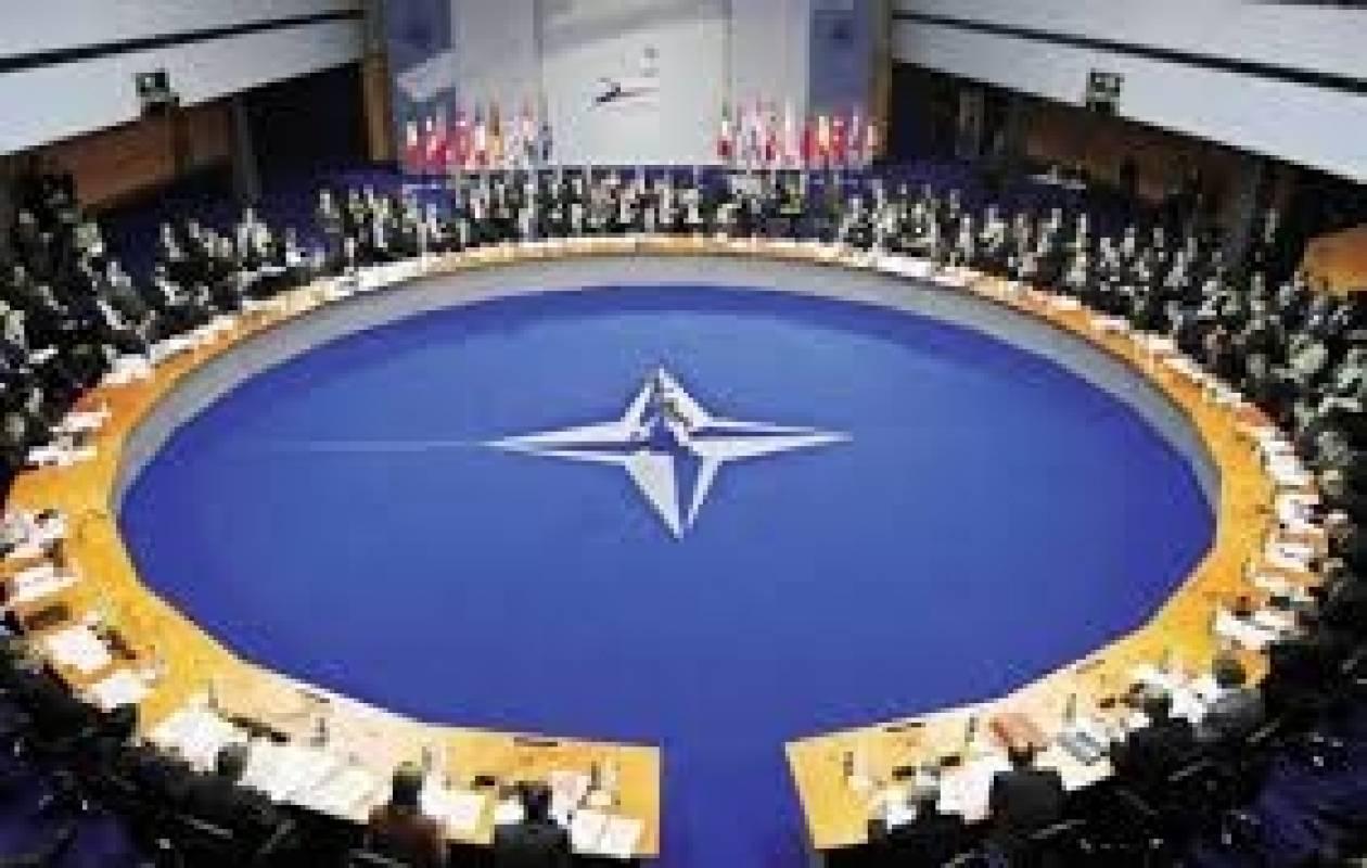 Το NATO καλεί τη Ρωσία να μην προχωρήσει στην προσάρτηση της Κριμαίας