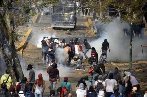 Μεγαλώνει ο αριθμός των νεκρών από τις ταραχές στη Βενεζουέλα
