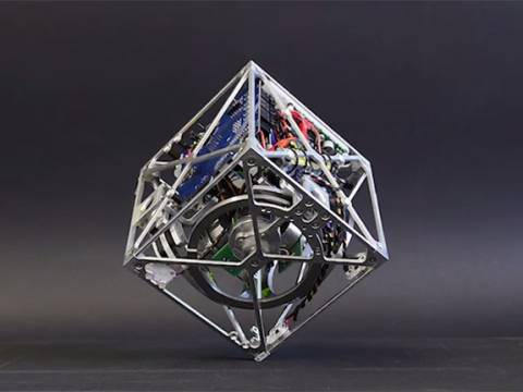 Cubli: Ο κύβος ακροβάτης!