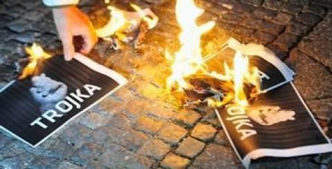 Η Τρόικα ανησυχεί πως η Ελλάδα θα κάνει τα ίδια λάθη