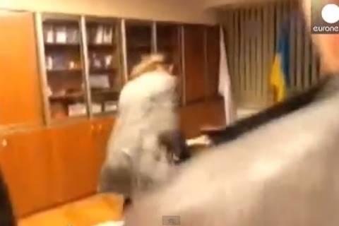 Ακροδεξιοί επιτέθηκαν στον διευθυντή της ουκρανικής τηλεόρασης (video)