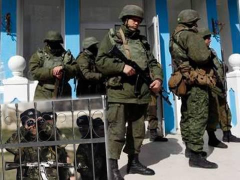 Κριμαία: Αντιμέτωποι με ένοπλους Ουκρανούς οι Ρώσοι