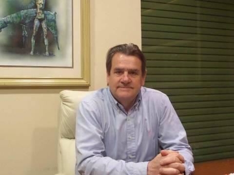 Υπογραφές υπέρ υποψηφιότητας Χατζηγάκη στα Τρίκαλα