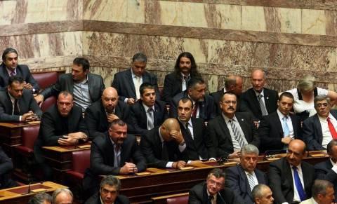 Περιμένουν τη Βουλή για τους βουλευτές της Χ.Α.οι ανακρίτριες