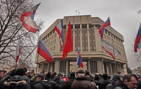 Η ΕΕ εξετάζει το ενδεχόμενο να στείλει παρατηρητές στην Ουκρανία