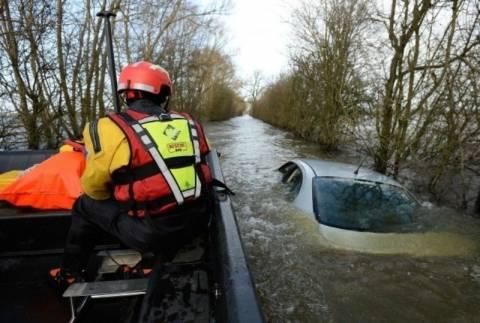 Αγγλία: Βυθισμένο αυτοκίνητο πουλήθηκε για 100.000 λίρες! (photos)